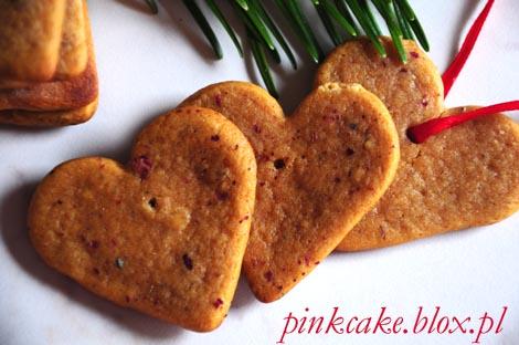 różane pierniczki, pierniczki z różą, pierniki z tartymi płatkami róż, rose petal gingerbreads, gingerbread with roses petals